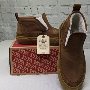 NWT Vans mid top slip on sf Mte shoes